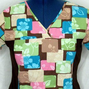 Cherokee Scrub Top Size Small Flowers Abstract